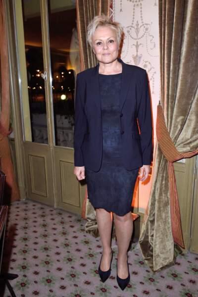 Muriel Robin assiste au diner La Chaine de l'Espoir organisé par l'association Pharmavie au Pavillon Ledoyen à Paris,en  janvier 2018.