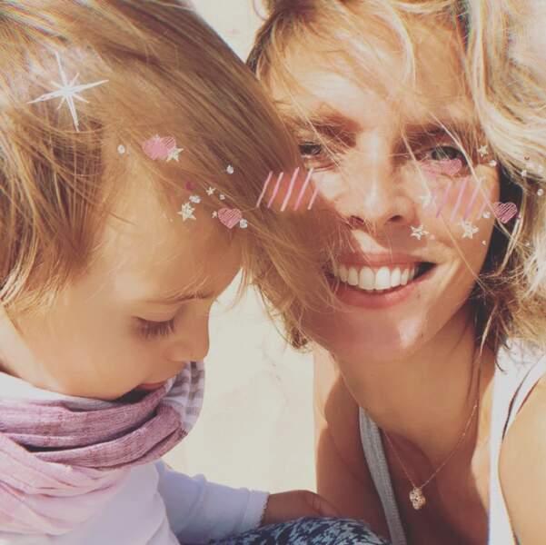 La maman ne cesse d'immortaliser les jolis moments de la vie avec ses enfants
