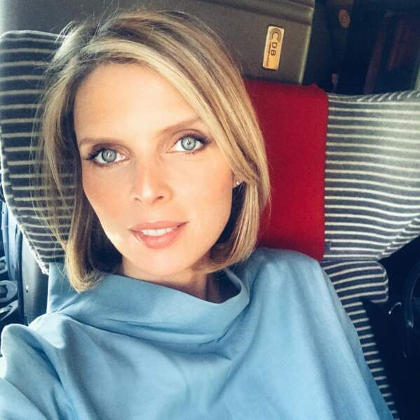 Sylvie Tellier ne cesse de voyager, elle est très souvent dans le train ou l'avion