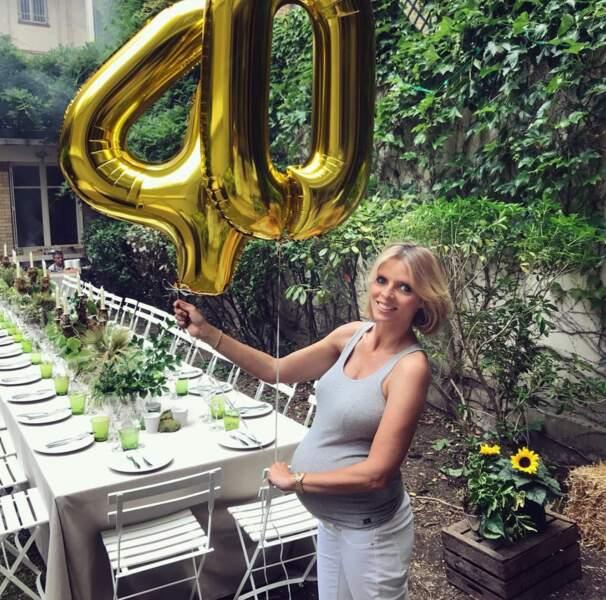 L'ancienne Miss France a aussi partagé sa dernière grossesse sur les réseaux sociaux, lorsqu'elle attendait Roméo