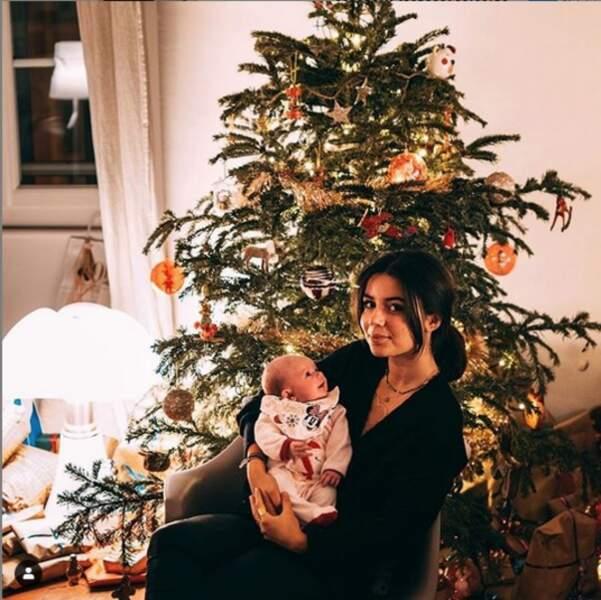 Un beau souvenir de Noël pour les filles d'Alizée, Annily et Maggy
