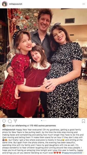 Réveillon en famille à la maison pour Milla Jovovich