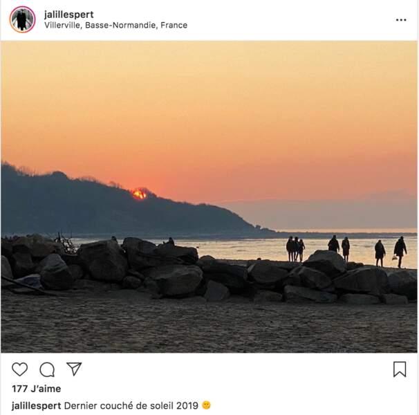 Jalil Lespert a savouré son dernier coucher de soleil de 2019 depuis la plage de Villerville, près de Deauville