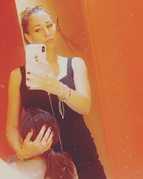 Petit selfie original entre mère et fille.