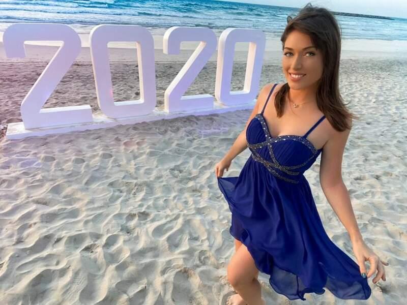 """""""Vivez, rêvez, aimez"""", vous conseille Elsa Esnoult de la plage"""