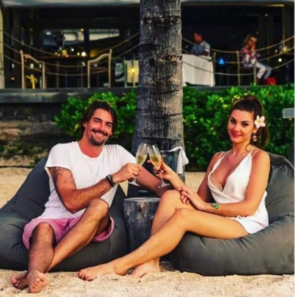 Champagne sous le soleil de l'île Maurice pour le nageur Camille Lacourt et sa belle, Alice Detollenaere