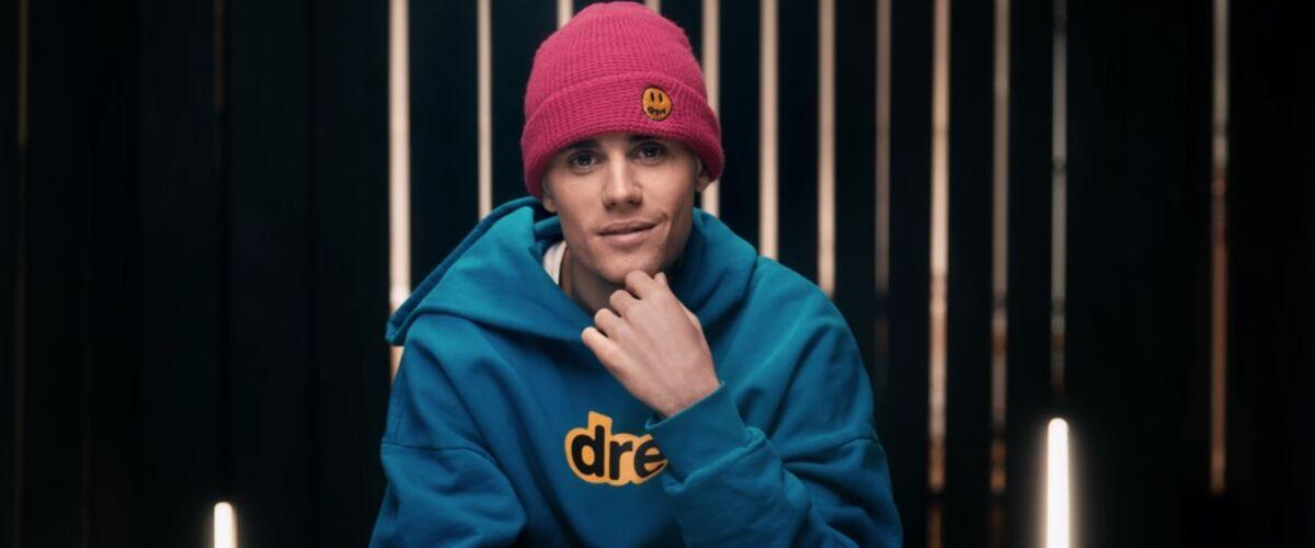Après une longue pause et des problèmes psychologiques, Justin Bieber enfin de retour en solo avec Yummy... Se