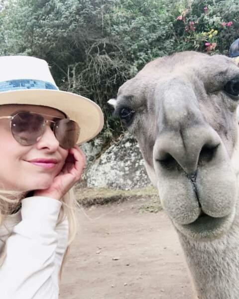Quand elle ne pose pas avec son mari, Sarah Michelle Gellar aime faire des selfies avec des animaux...