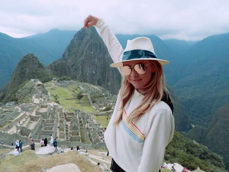 En dehors des plateaux de tournages, l'actrice en profite pour voyager
