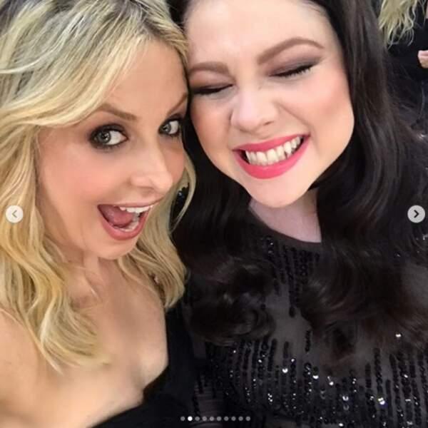 Et parfois, elle se remémore les bons moments de la série avec Michelle Trachtenberg, sa sœur dans Buffy