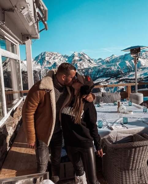 """""""Je t'aime"""" : Hilona fait une très belle déclaration d'amour à Julien !"""