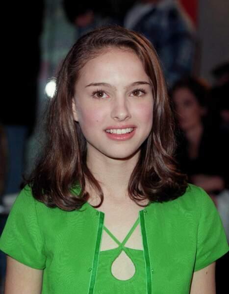 """Deux ans plus tard, la comédienne de 15 ans poursuit sa carrière avec """"Beautiful Girls"""", """"Tout le monde dit I love you"""" ou encore """"Mars Attacks!"""""""