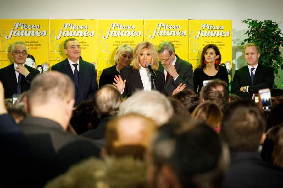La Première dame a en effet pris le relai de Bernadette Chirac a la tête de cette campagne caritative