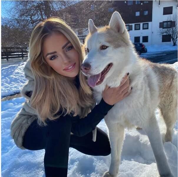 Aurélie Preston préfère marcher avec son chien