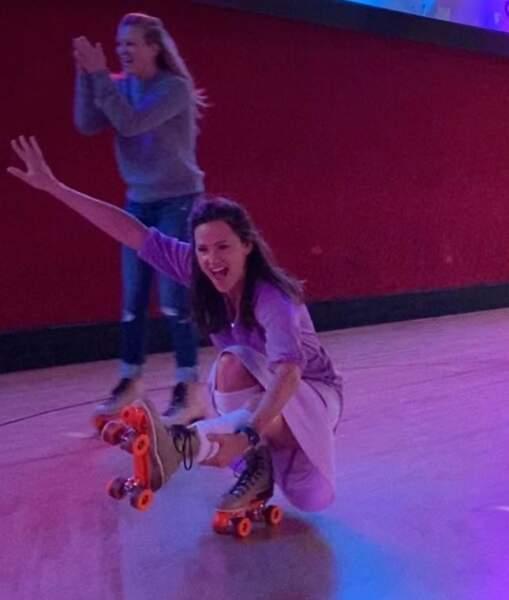 Et là, Jennifer Gardner en patin à roulettes