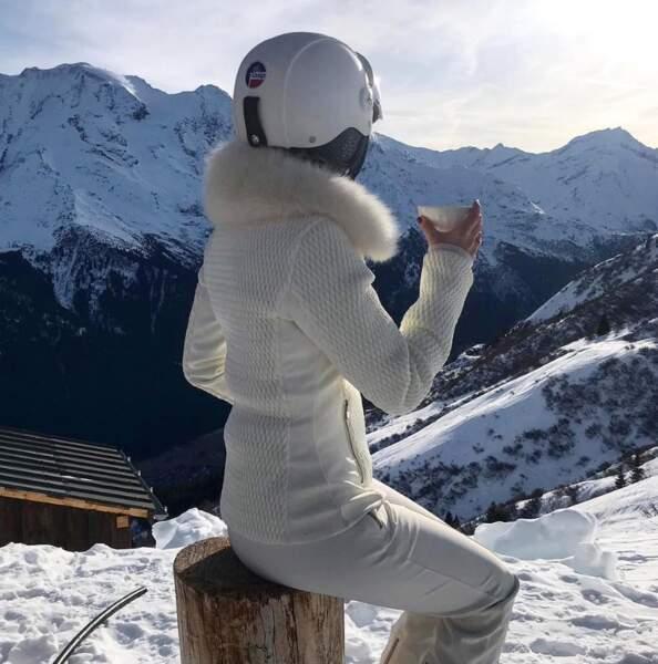 Mais toujours dans des tenues ultra chics, même au ski!