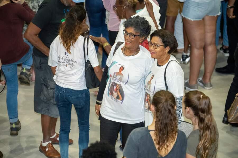 Des Miss présentes même sur les tee shirts de leurs fans