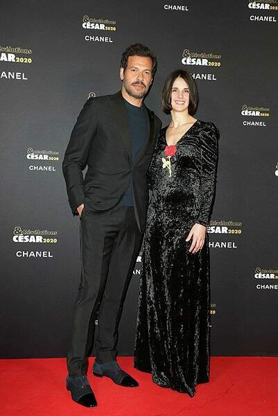 Le beau Laurent Lafitte et Jennifer Decker (Un beau voyou)