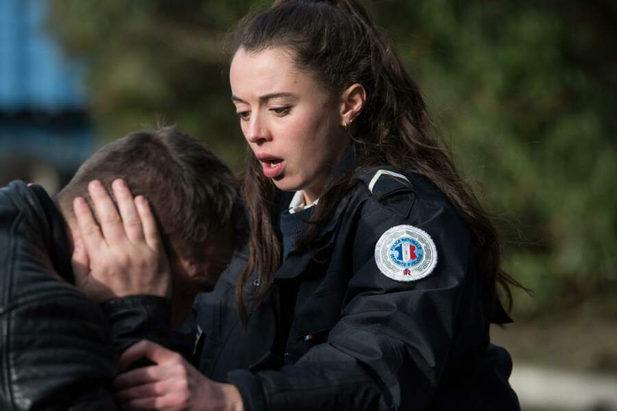 Sara sera là pour aider Martin, visiblement déboussolé par cette attaque !