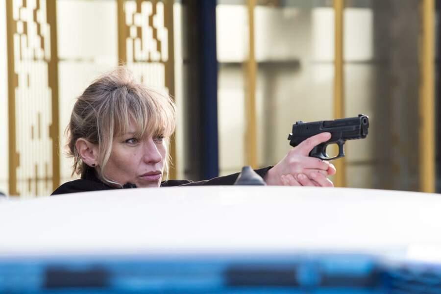Aurore (Julie Debazac) va tout faire pour protéger ses collègues !