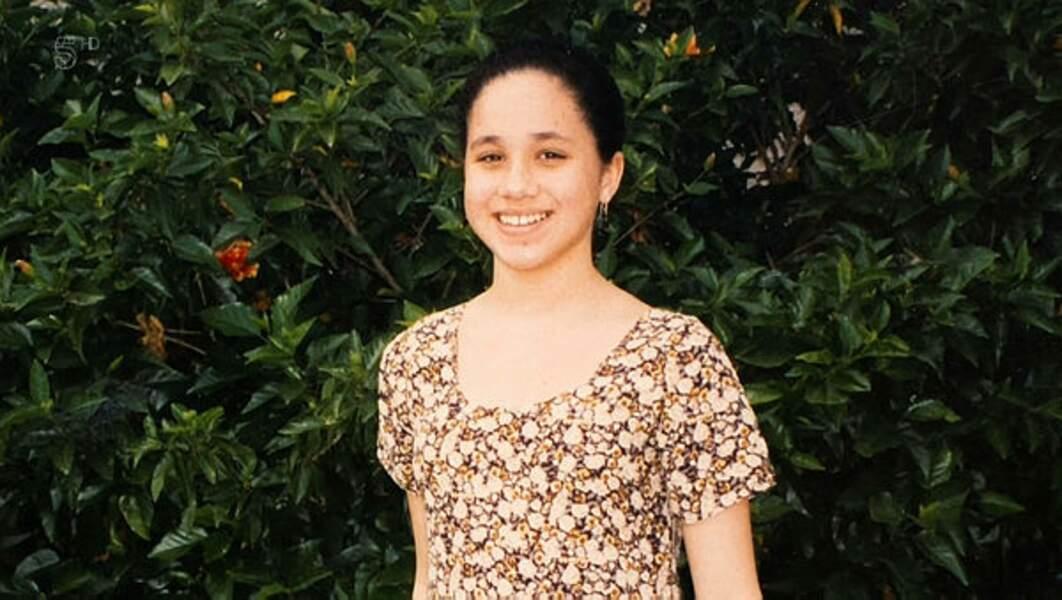 À 15 ans, déjà une adorable jeune fille déterminée