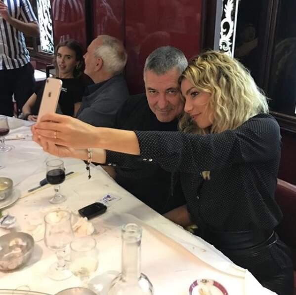 Très amoureuse de son mari Jean-Marie Bigard, elle aime lui déclarer son amour !