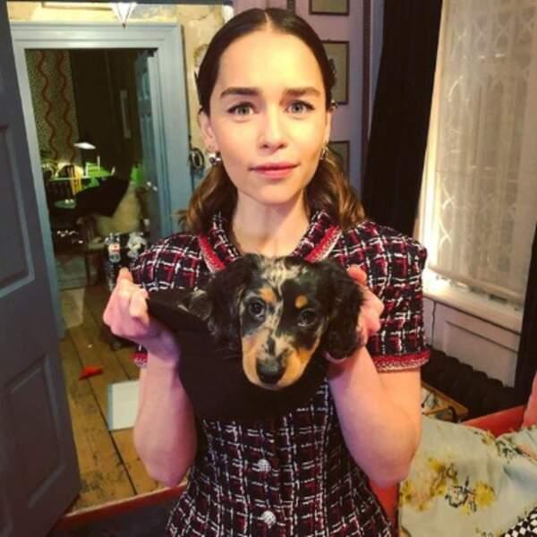 Et Emilia Clarke est toujours aussi gaga de son petit Ted.