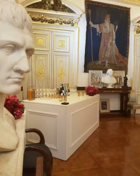 Et quand Pierre-Jean Chalençon reçoit au Palais Vivienne, il met les petits plats dans les grands !