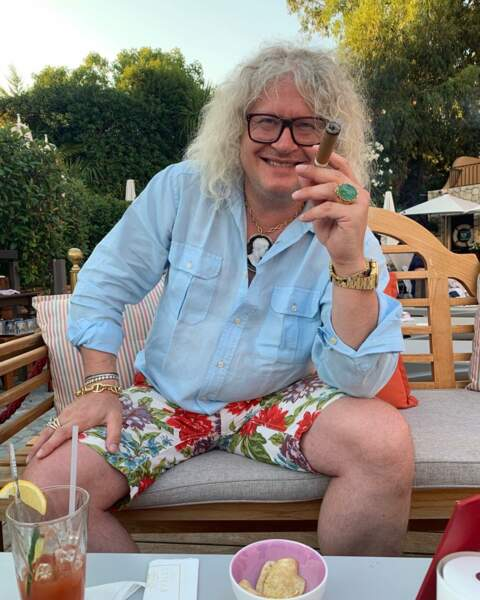 Pierre-Jean Chalençon en mode farniente, short de bain et cigare : il s'éclate à St Tropez !