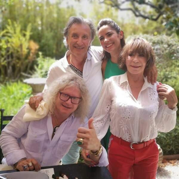 Pierre-Jean Chalençon en balade à L'Isle-sur-la-Sorgue avec Diane Chatelet et Paul Azzopardi d'Affaire conclue, ainsi qu'avec Danièle Evenou !