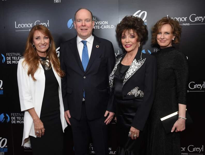 Jane Seymour, le Prince Albert II de Monaco, Joan Collins et Anne Sweeney (présidente de Disney-ABC Television Group) au gala de réception pour le 60e anniversaire du Festival de Télévision de Monte-Carlo à Los Angeles