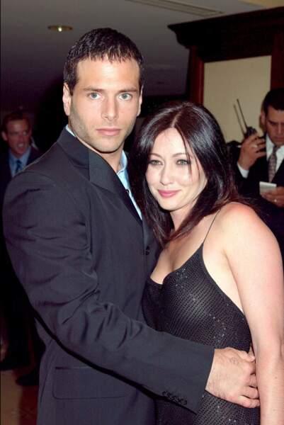 En 2002, l'actrice épouse le producteur Rick Salomon à Las Vegas, une union qui durera neuf mois