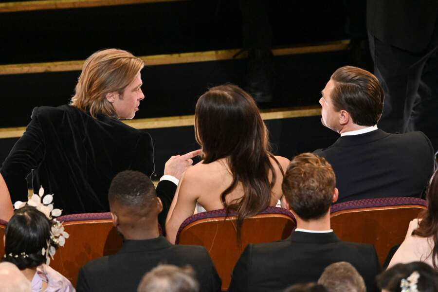 En plus, Camila Morrone avait une place de choix : entre son chéri et... Brad Pitt !