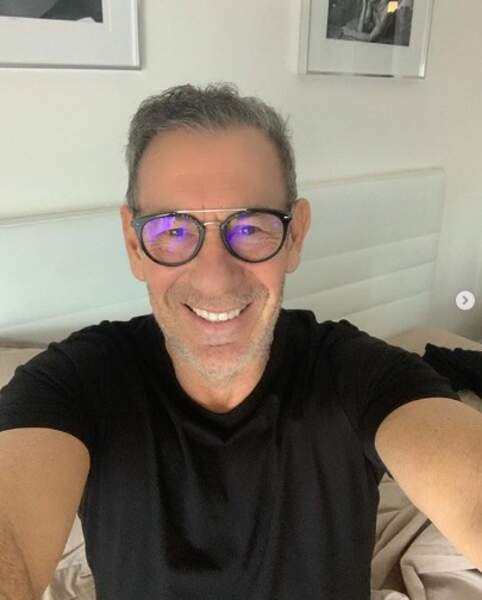 François Feldman est désormais l'heureux détenteur de lunettes de vue.