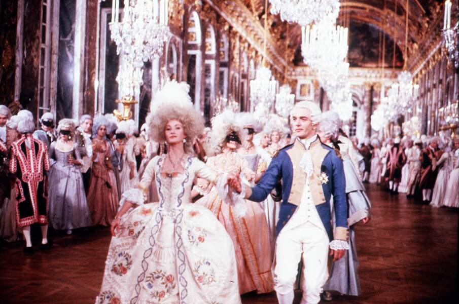 Jane Seymour a joué Marie-Antoinette dans le film La Révolution française (1989)