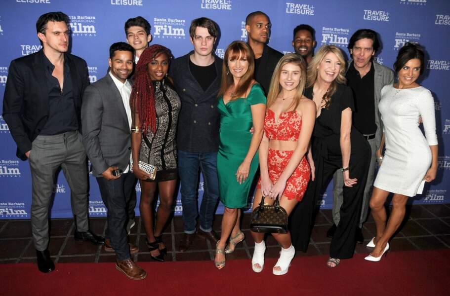 Très bien entourée, Jane Seymour pose avec le casting et l'équipe du film Free Dance (2016)
