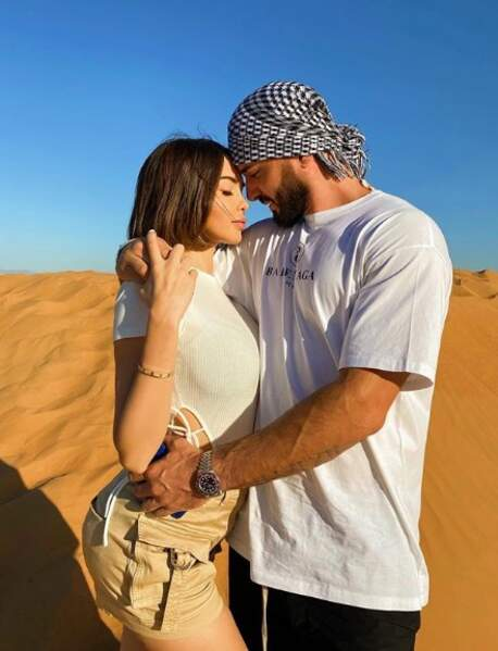 Le couple profite d'habiter à Dubaï pour faire régulièrement de sublimes shootings photos