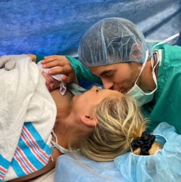 Et on envoie toutes nos félicitations à Anna Kournikova et Enrique Iglesias, parents pour la troisième fois.