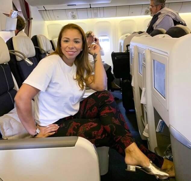Isabele da Silva heureuse lors d'un voyage