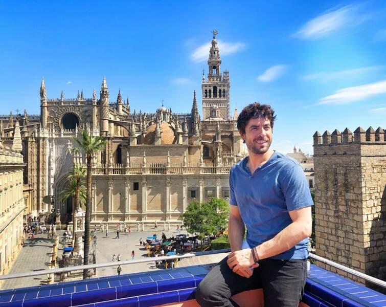 Mais quand il repart en Espagne, il ne peut pas s'empêcher d'immortaliser le moment