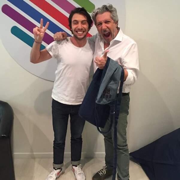 Il célèbre le retour de Burger Quiz avec son présentateur historique, Alain Chabat.