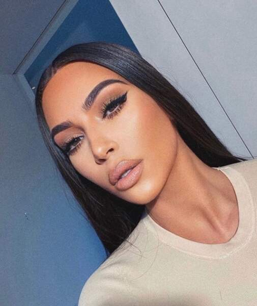 Pour le petit selfie du matin, Kim Kardashian au naturel…(nan, on rigole)