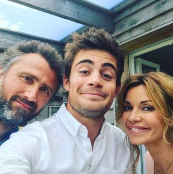 Son mari Alex est joué par Alexandre Brasseur et son fils Maxime par Clément Rémiens