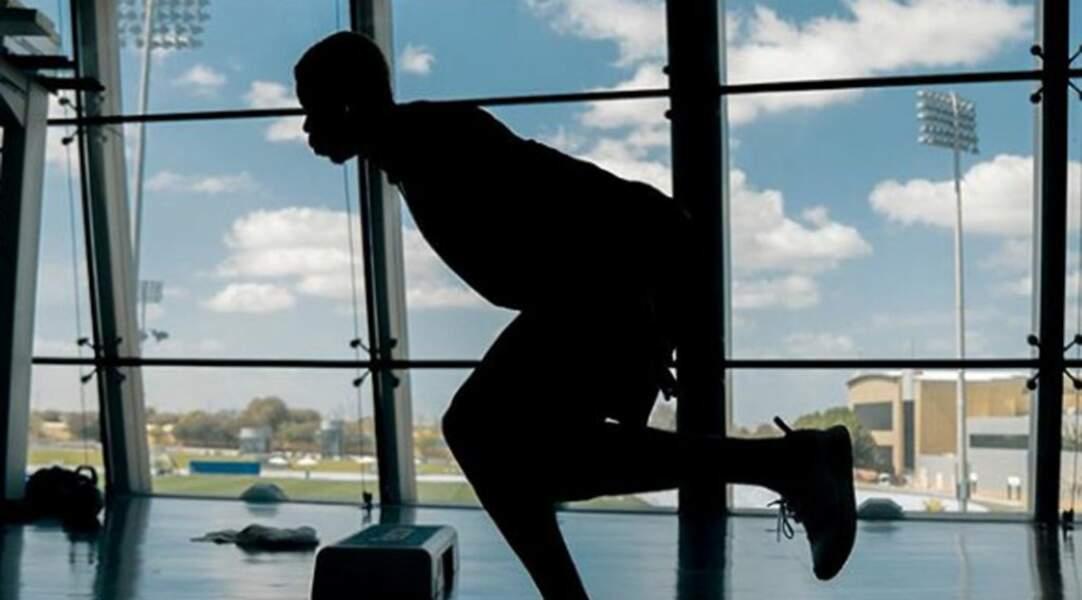 Pour revenir au top après son opération à la cheville droite, le footballeur tricolore a passé de longues semaines de rééducation comme ici à Dubaï !