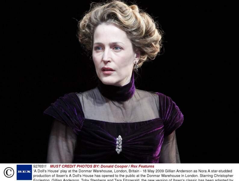 Méconnaissable dans une pièce d'Ibsen A doll's house à Londres en 2009