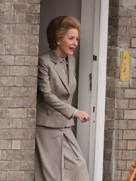L'actrice se glisse dans la peau de Margareth Thatcher : avec beaucoup de maquillage la ressemblance est frappante !