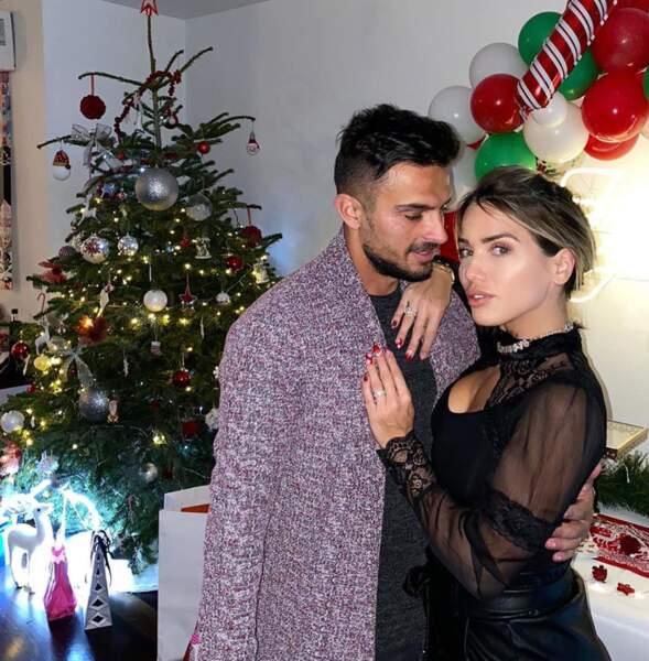 Elle est en couple avec Julien Tanti depuis 2016