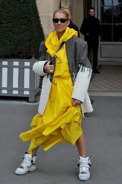 La robe de soirée-jogging....c'est un concept. On adhère… ou pas !