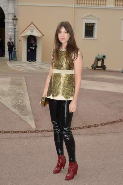 Une chasuble courte et précieuse à Monaco pour Vuitton en 2014