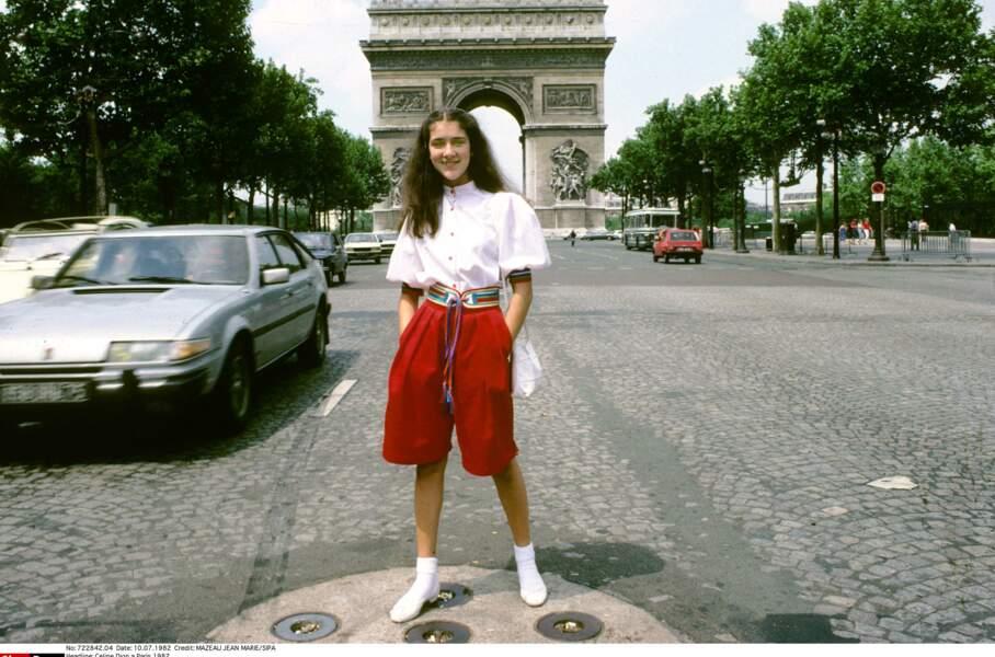 Céline Dion en 1982, elle n'a que 14 ans lorsqu'elle accède à la célébrité. Son stylisme est… probablement celui de l'époque !
